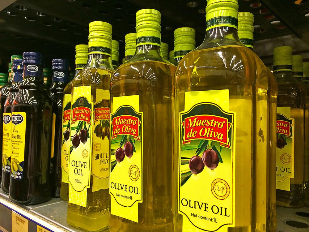 Оливковое масло в бутылке