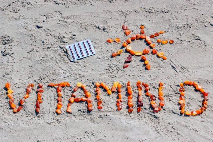 Сколько нужно находиться на солнце, чтобы получить достаточное количество витамина Д